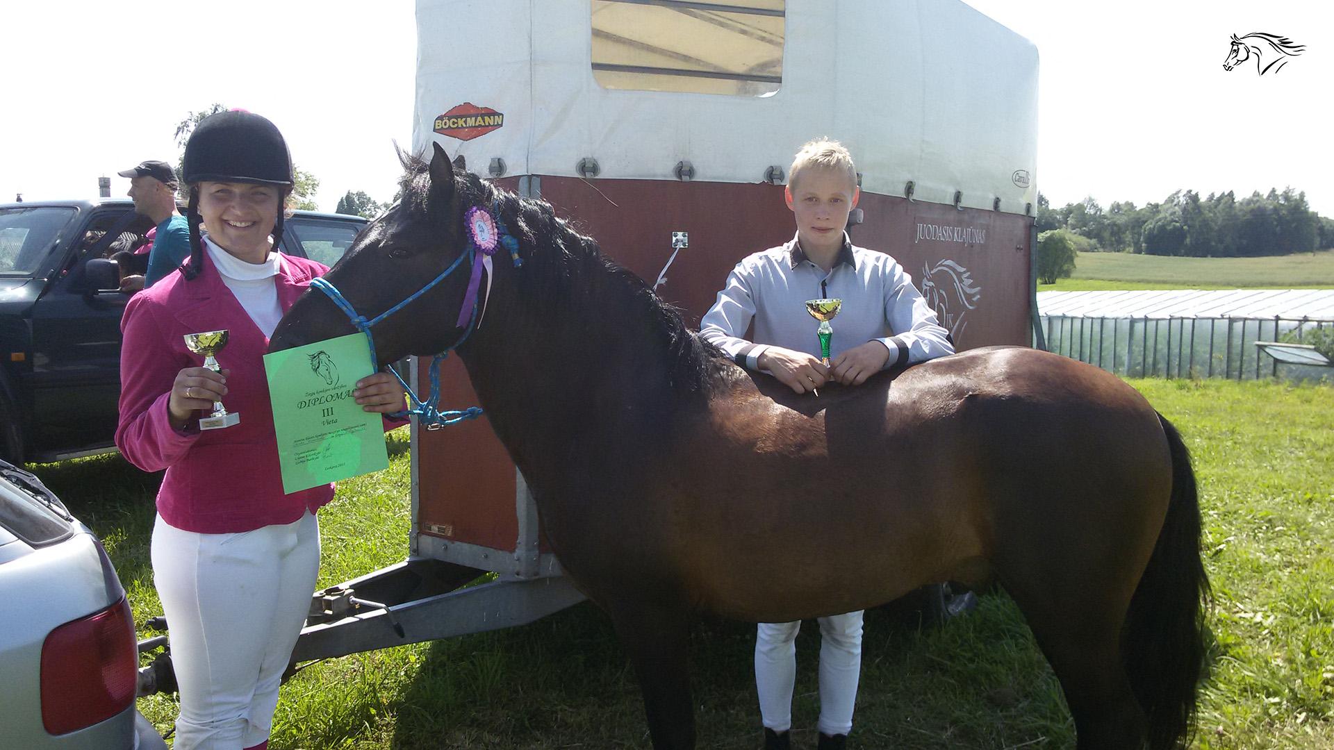 Paslauga - Žirgų varžybos